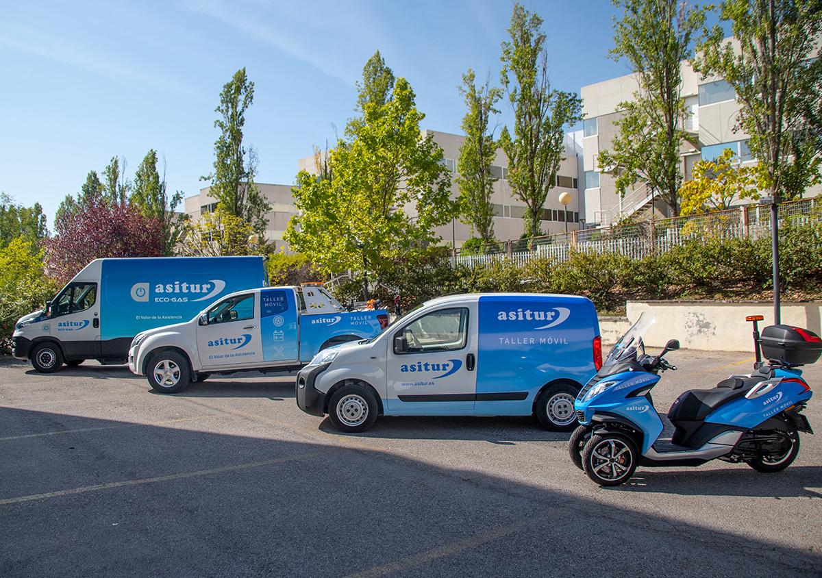 Asitur incorpora nuevos vehículos taller en su apuesta por la reparación in situ